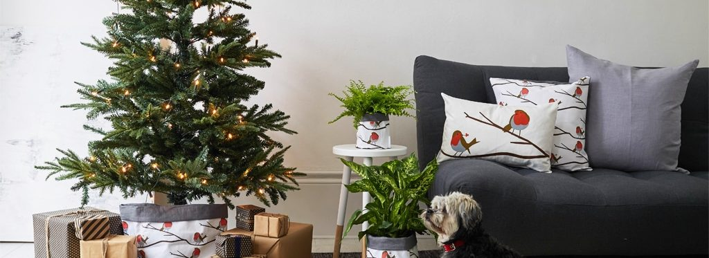 Robin Red Breast -Fabric By The Metre - Christmas - Homeware