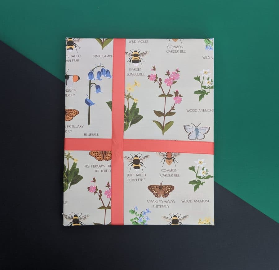 wrapping paper, luxury wrapping paper, gift wrap, plastic free, FSC Paper, enviromentally friendly, sustainable, birthday paper, birthday wrapping paper. gifts, RSPB, bird design oxfordshire wildlife wrap